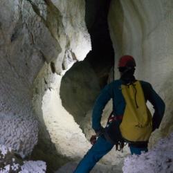 Lino illumina il canyon del Corchia