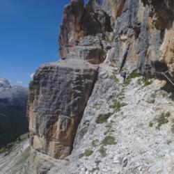 Cengia di avvicinamento alla Grotta della Tofana