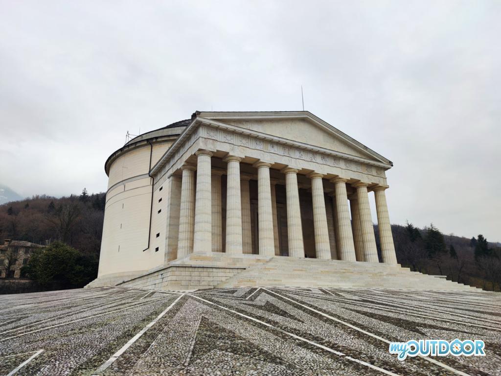 Tempio di Canova - Possagno- Partenza del Trekking della Grande Guerra