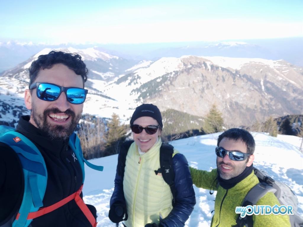 Michele, Diana e Andrea a Cima Grappa. Sullo Sfondo il Monte Boccaor