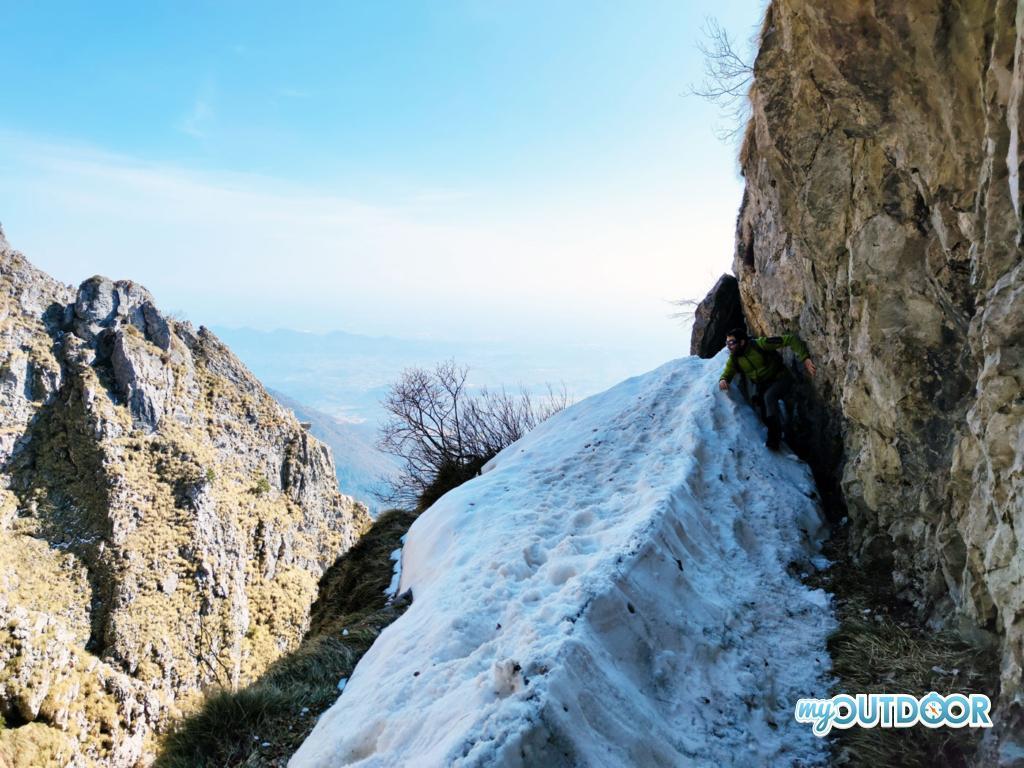 Tratto del Sentiero delle Meatte ricoperto dalla neve