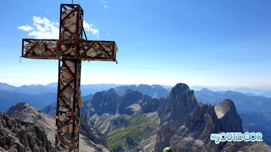 La croce di vetta in cima al Catinaccio d