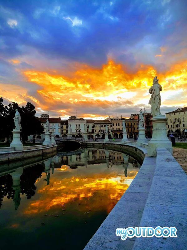 Prato Della Valle nel cuore di Padova, la partenza dell