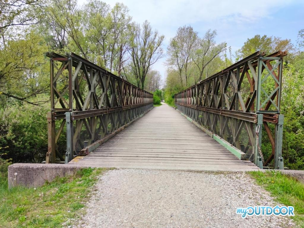 Un ponte in ferro