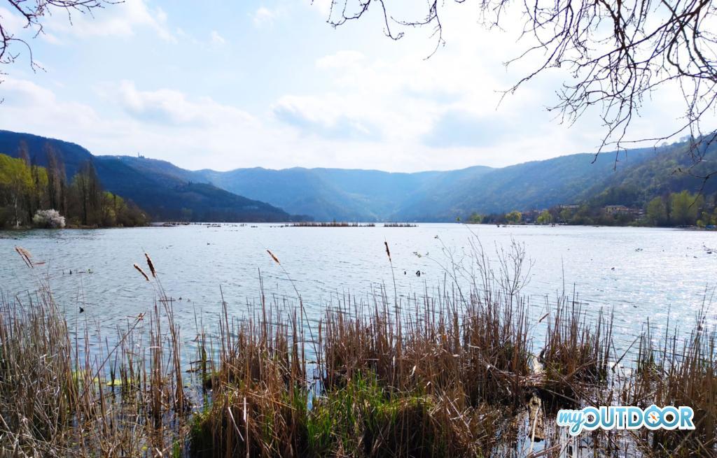Panoramica del lago con Colli Berici sullo sfondo