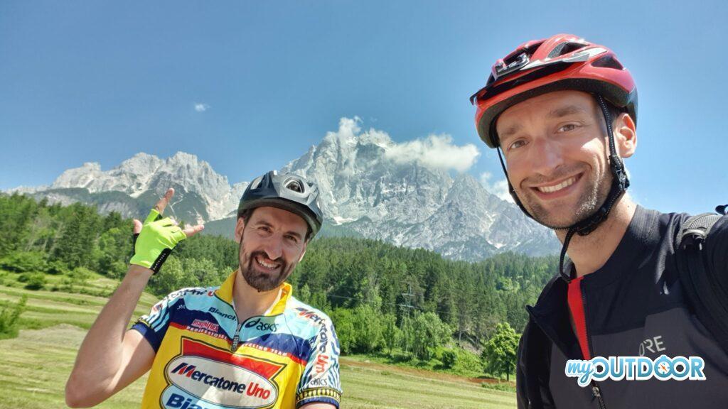 Ciclabile delle Dolomiti: sotto l'Antelao